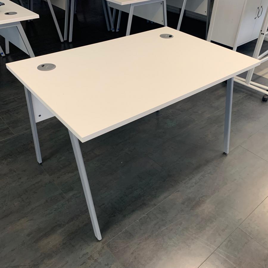 White 1200x800 Straight Desk
