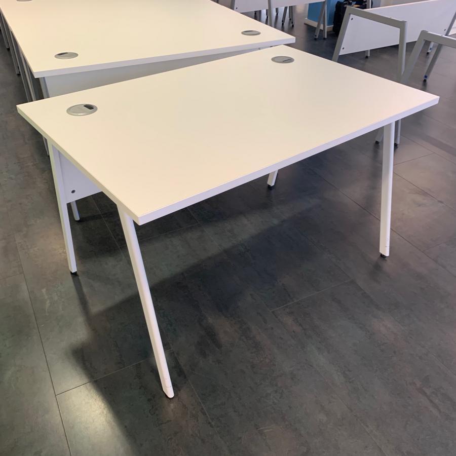White 1200x800 Straight Desk | White Leg