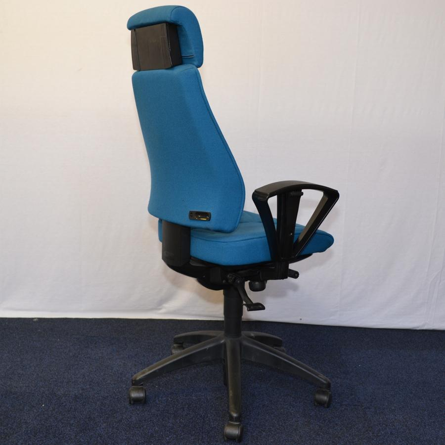 Kinnarps 8000 Green Fabric Task Chair With Arms And Headrest